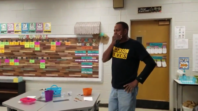 Tennessee kindergartners sign 'Happy Birthday' song to deaf