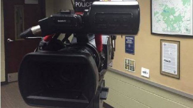 Elf on the Shelf helps out police force | KUTV