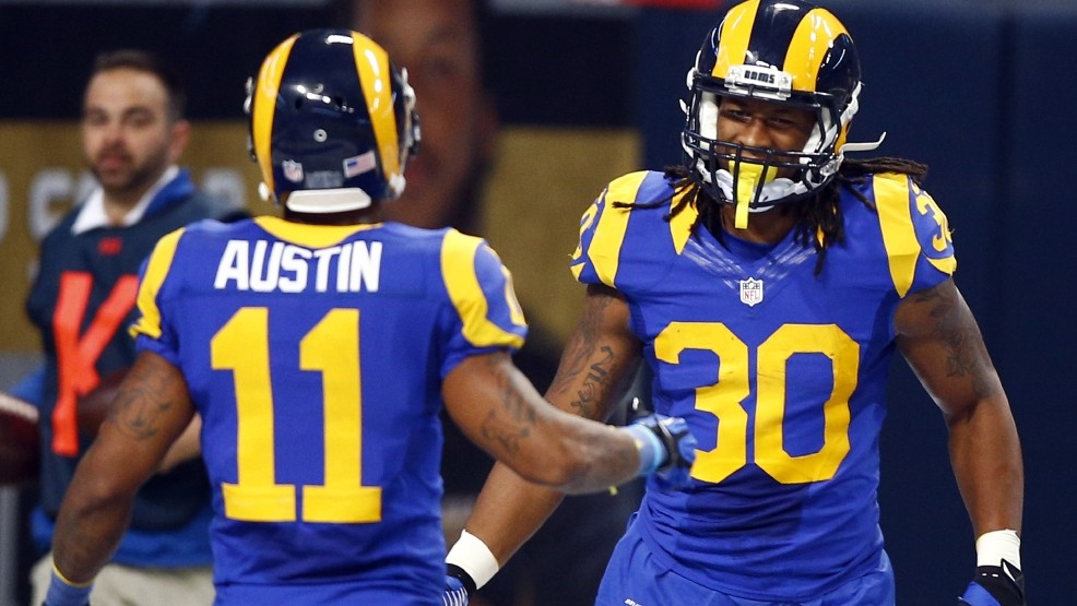 513417204 Roundup  Gurley leads way with 133 yards as Rams handle 49ers 27-6 ...
