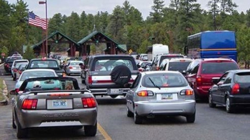 NPS: Prepare for long entrance lines, limited parking at
